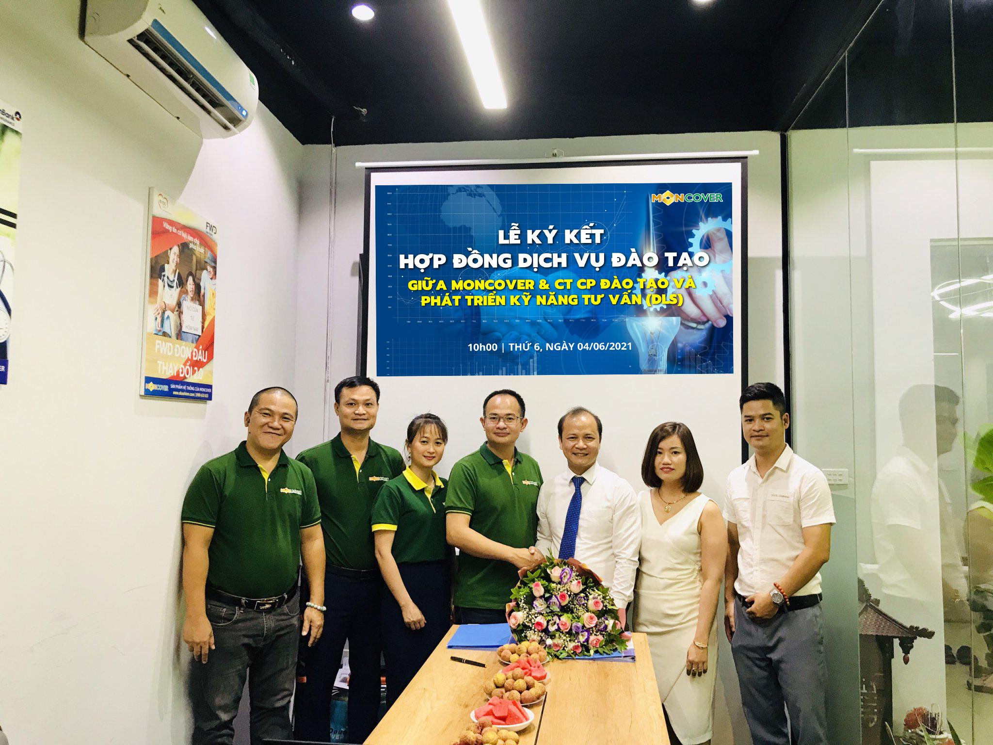 Lễ ký kết hợp tác giữa Moncover với Công ty cổ phần đào tạo và phát triển kỹ năng tư vấn (DLS)